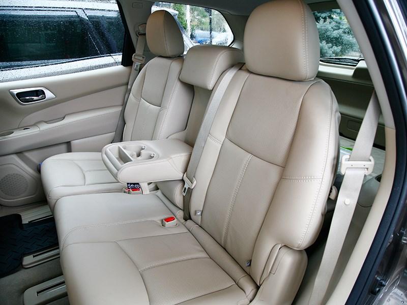 Nissan Pathfinder 2012 задний диван