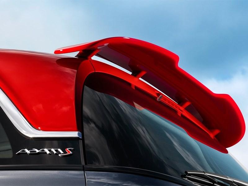 Opel Adam S 2014 задний спойлер