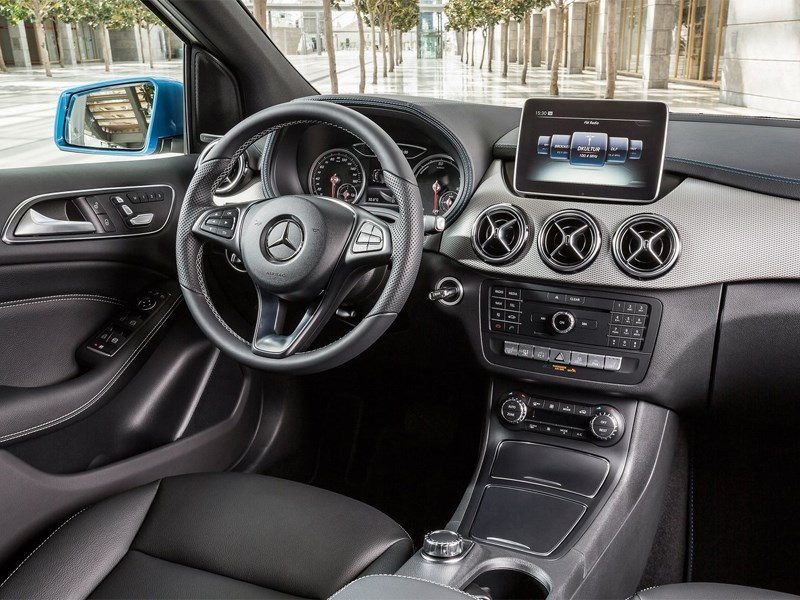 Mercedes-Benz B-Klasse 2015 салон