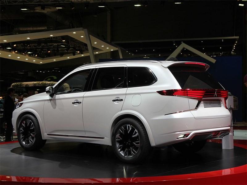 Mitsubishi Outlander PHEV Concept-S 2014 вид сбоку сзади