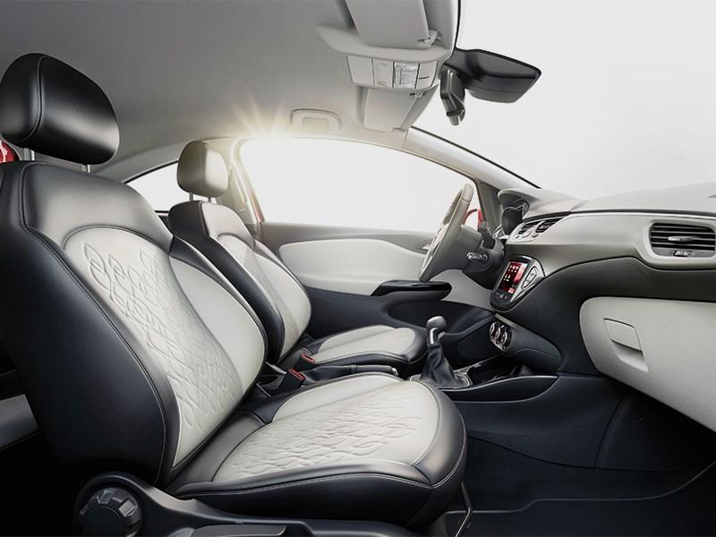 Opel Corsa 2015 передние кресла