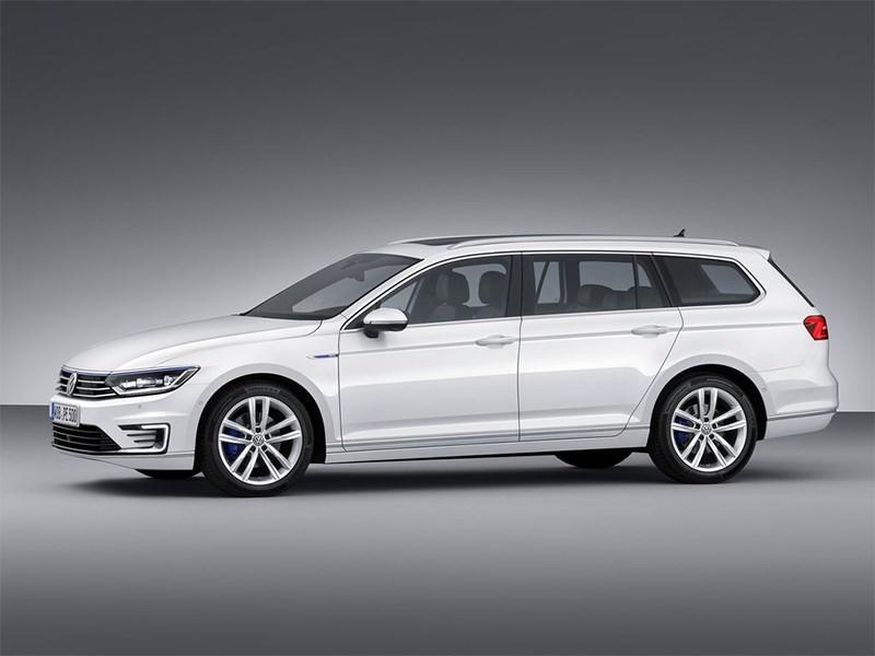 Volkswagen Passat GTE 2015 универсал вид сбоку