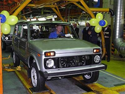 Представительские автомобили для чиновников могут вытеснить пятидверную версию Lada 4x4