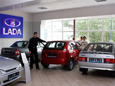 Продажи автомобилей Lada снова падают