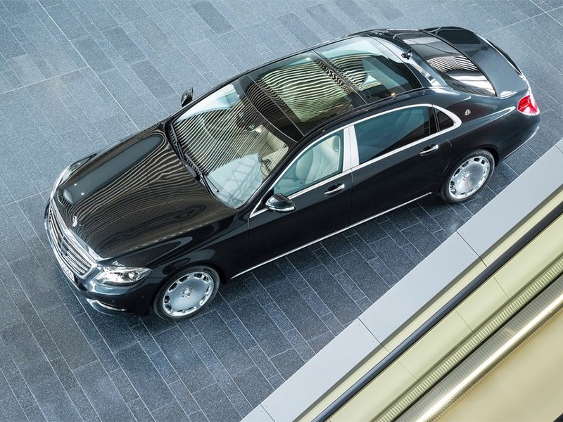 Mercedes-Maybach S 600 2015 вид сверху
