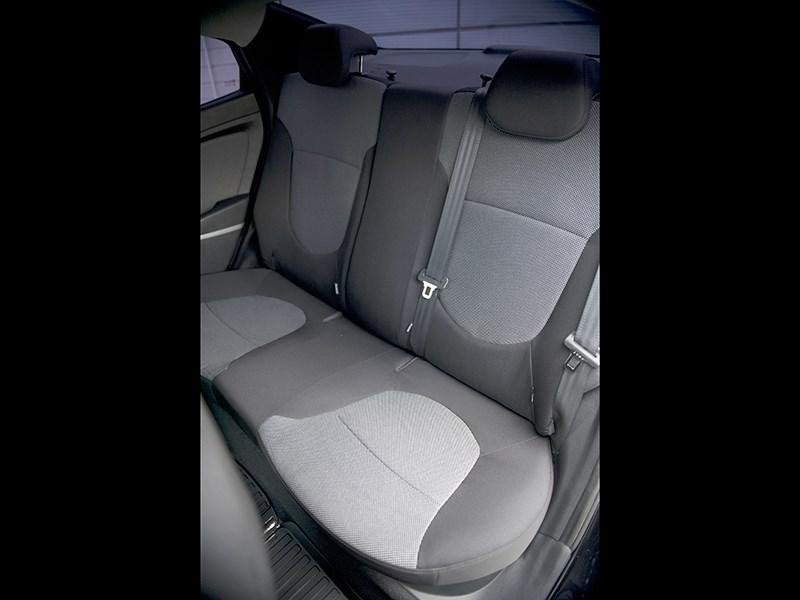 Hyundai Solaris 2012 задний диван