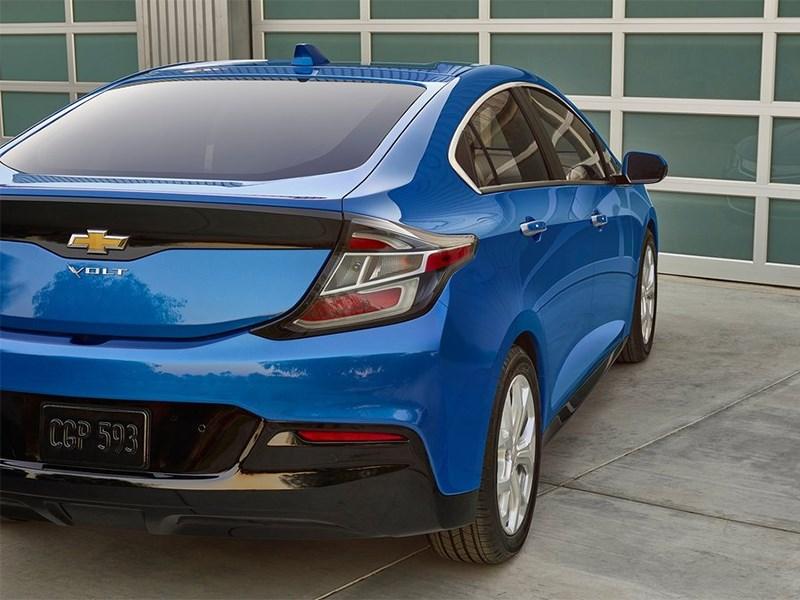 Chevrolet Volt 2016 вид сзади
