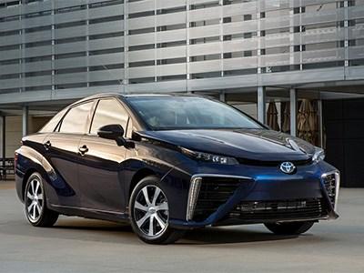 Этой осенью водородный седан Toyota Mirai появится в Калифорнии