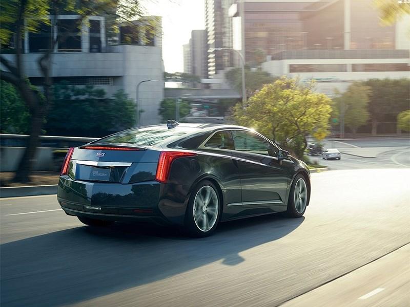 Cadillac ELR 2016 вид сзади