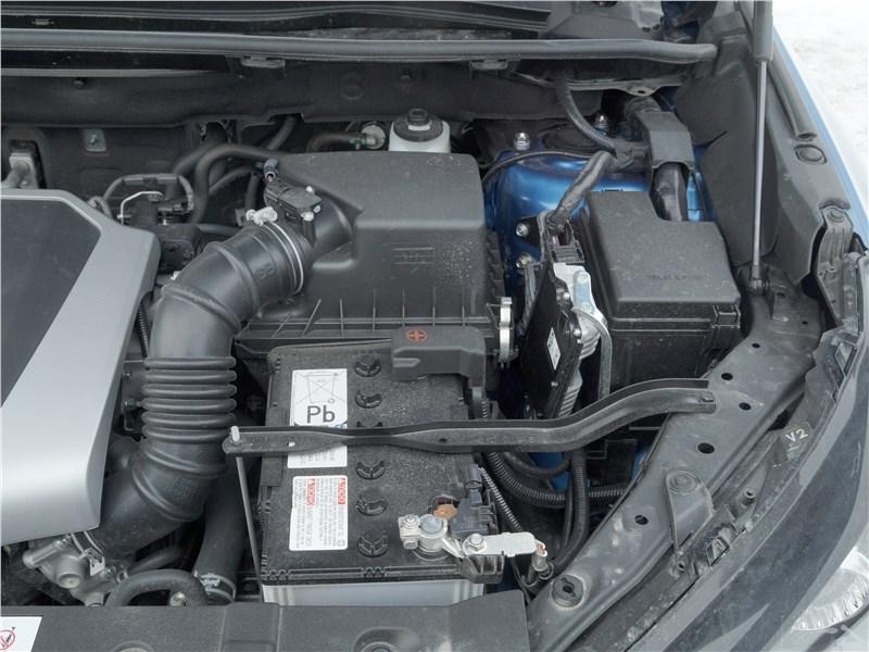 Lexus NX 2018 моторный отсек