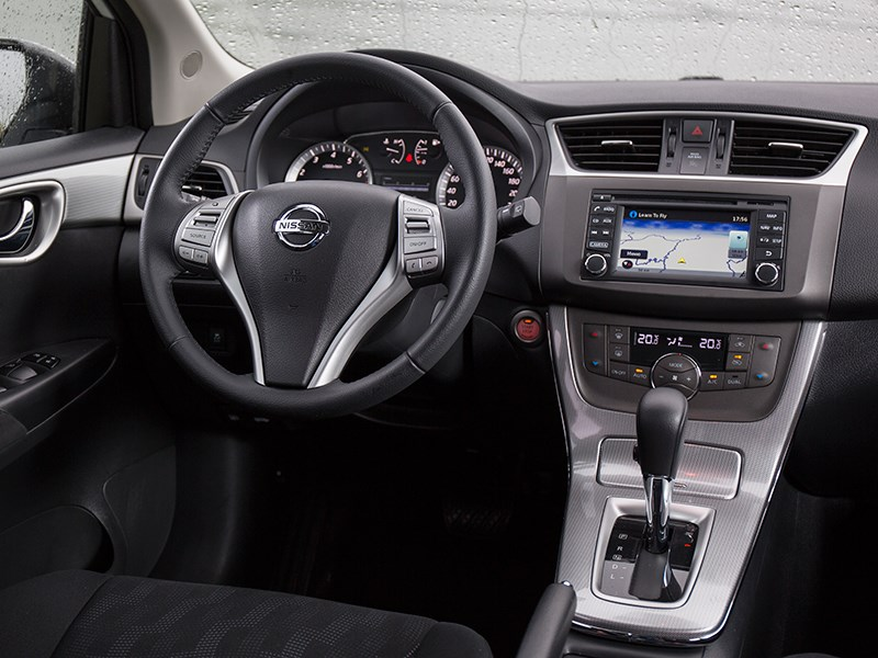 Nissan Tiida 2015 водительское место