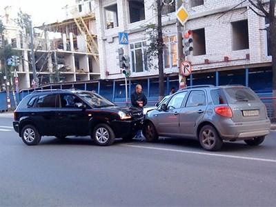 Инструкции по оформлению европротокола будут рассылать водителям по SMS