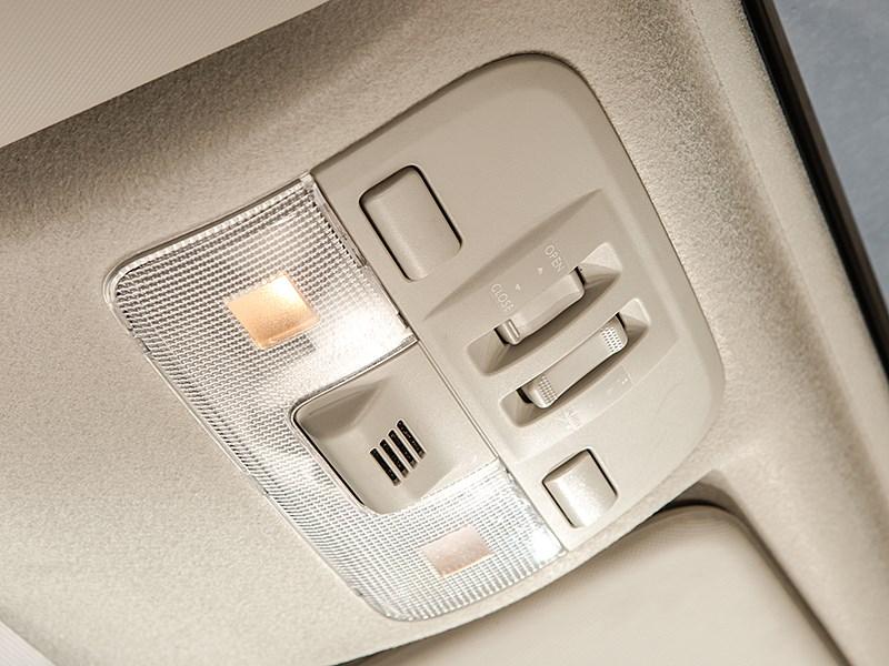 Subaru XV 2012 свет в салоне
