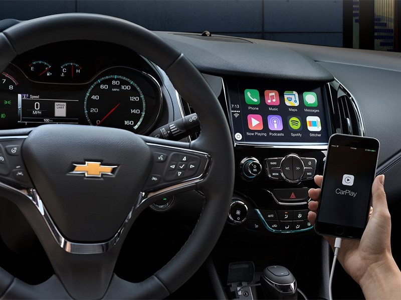 Chevrolet Cruze 2015 водительское место