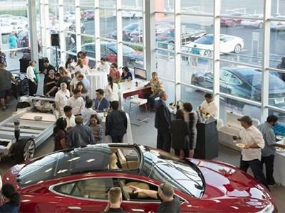 Tesla Motors открыла свой первый салон подержанных автомобилей