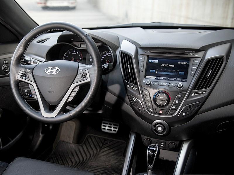 Hyundai Veloster 2016 салон