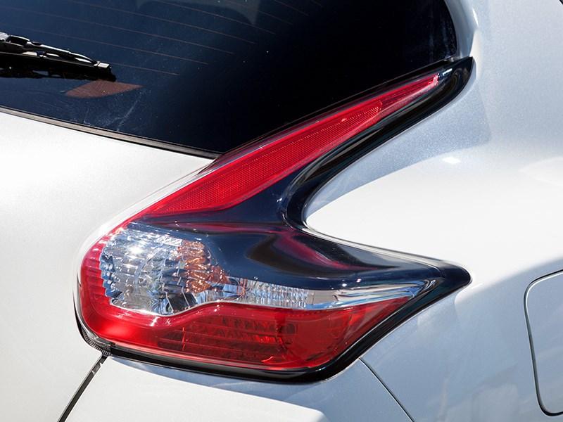 Nissan Juke Nismo RS 2015 задний фонарь