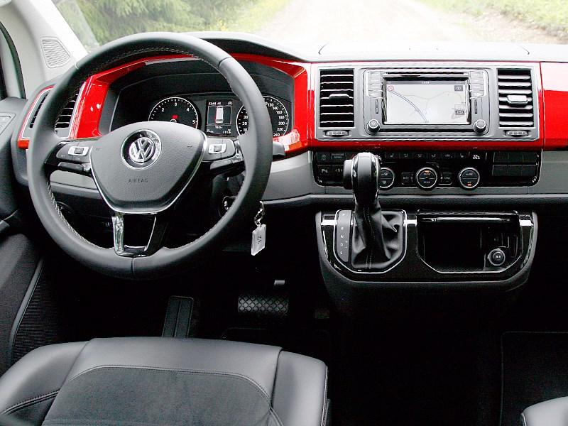 Volkswagen Multivan 2015 водительское место