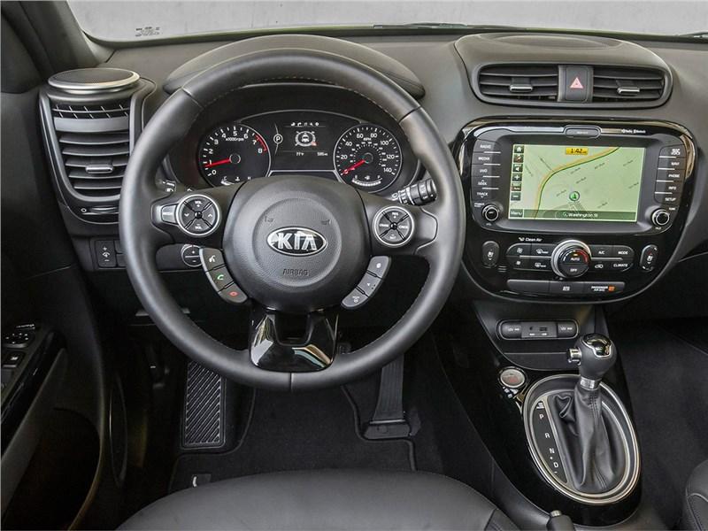 Kia Soul 2015 водительское место