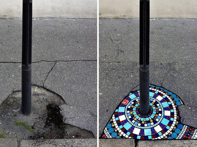 Французские художники ремонтируют дороги мозаикой