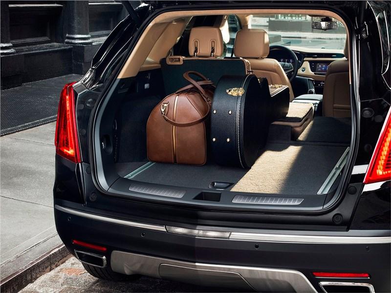 Cadillac XT5 2017 багажное отделение