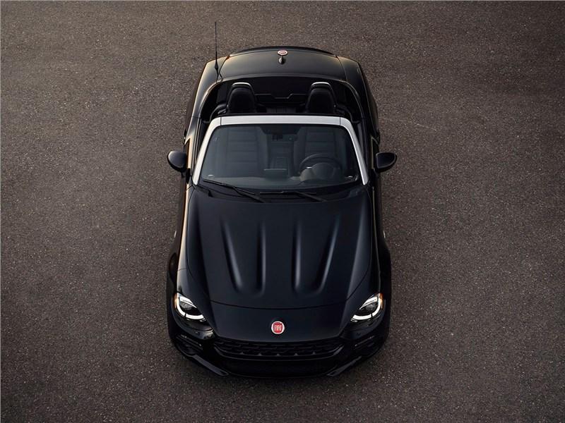 Fiat 124 Spider 2016 вид спереди сверху