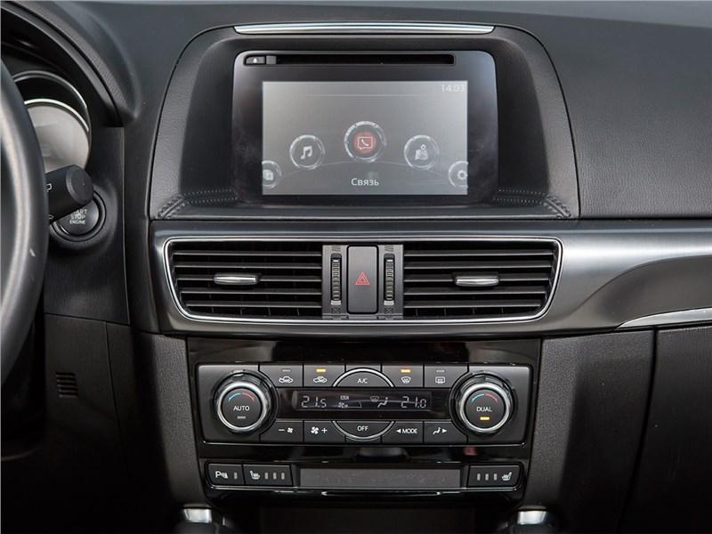 Mazda CX-5 2015 центральная консоль