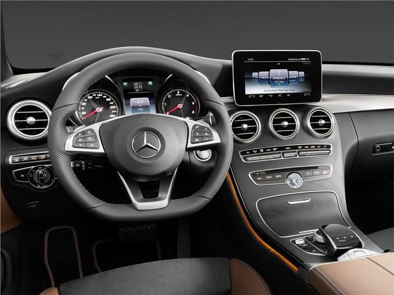 Mercedes-Benz C-Class Cabriolet 2017 салон