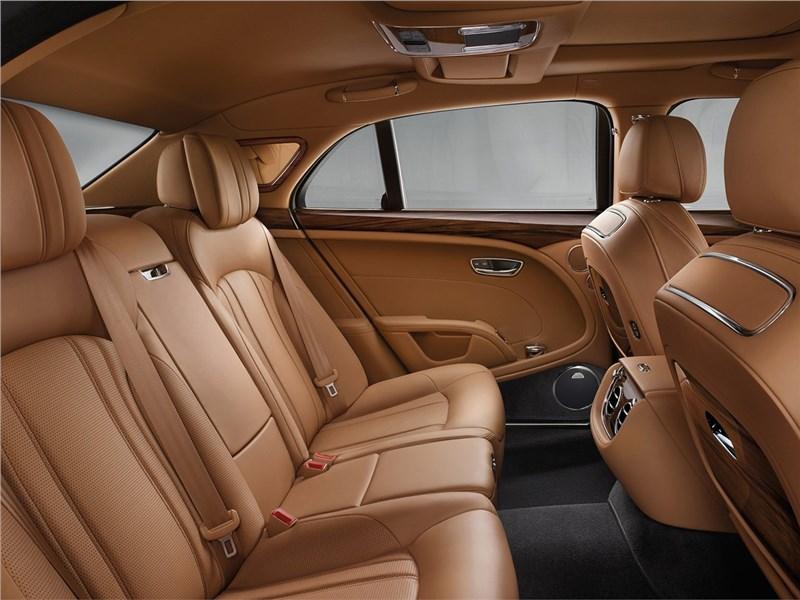 Bentley Mulsanne 2017 задний диван