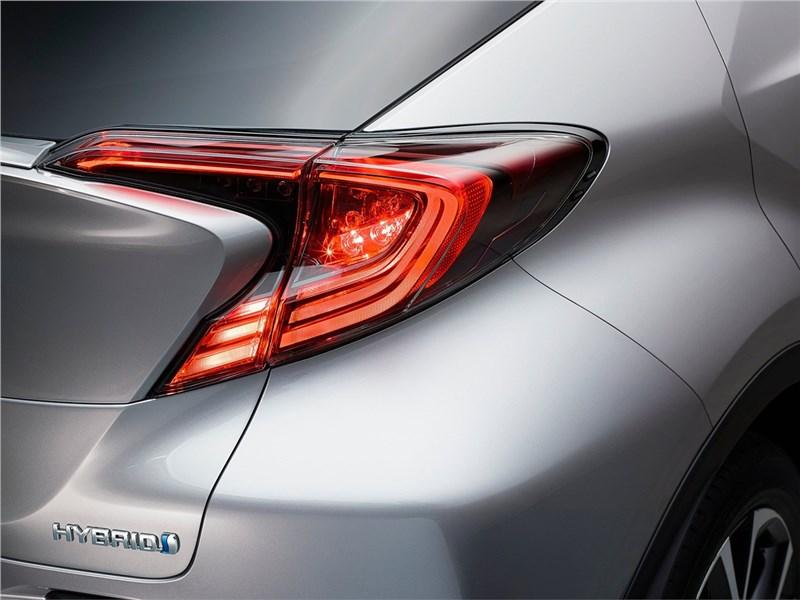 Toyota C-HR 2016 вид задний фонарь