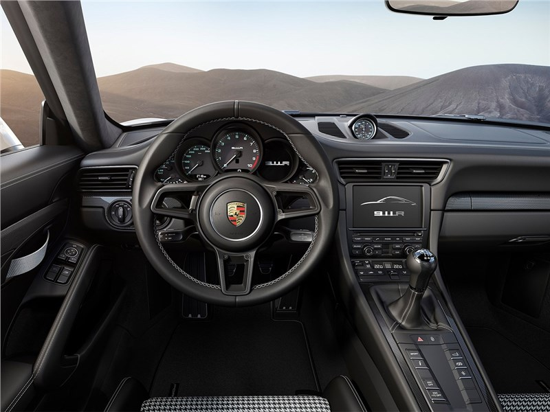 Porsche 911 R 2017 водительское место