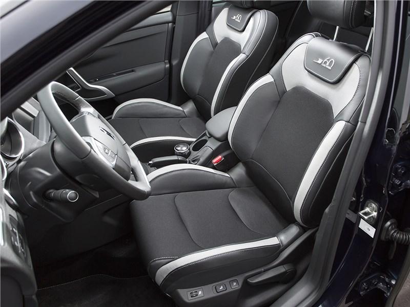 Citroen DS4 2012 передние кресла