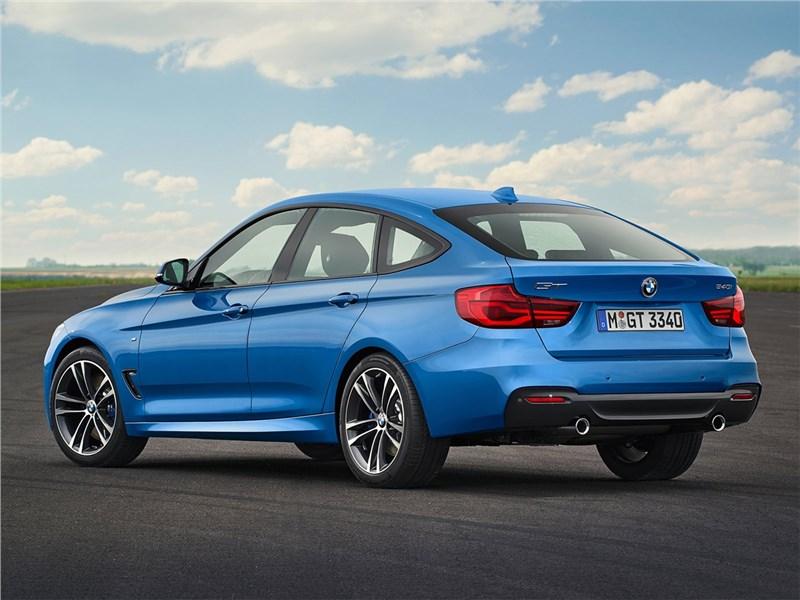 BMW 3 series GT 2017 вид сбоку сзади
