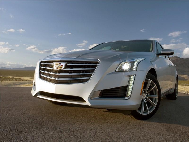 Cadillac CTS 2017 вид спереди сбоку
