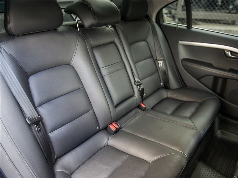 Volvo S80 задний диван