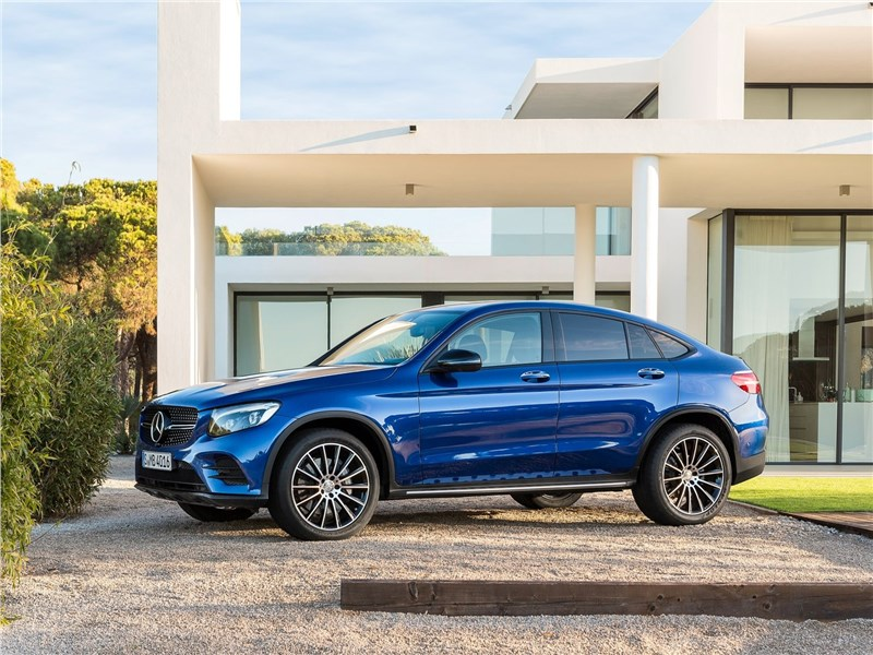 Mercedes-Benz GLC Coupe 2017 вид сбоку