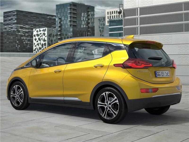 Opel Ampera-e 2017 вид сбоку сзади