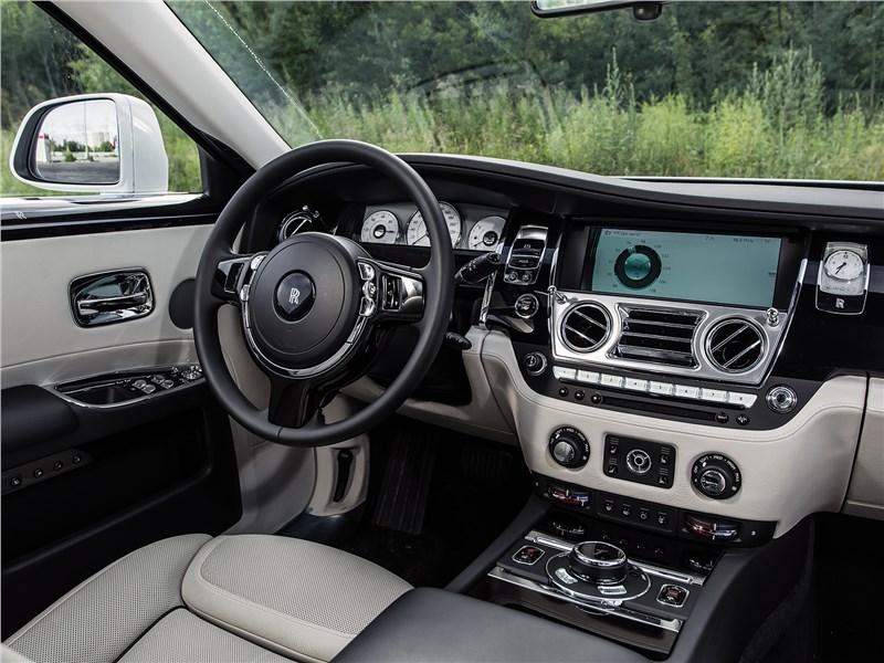 Rolls-Royce Ghost 2015 салон