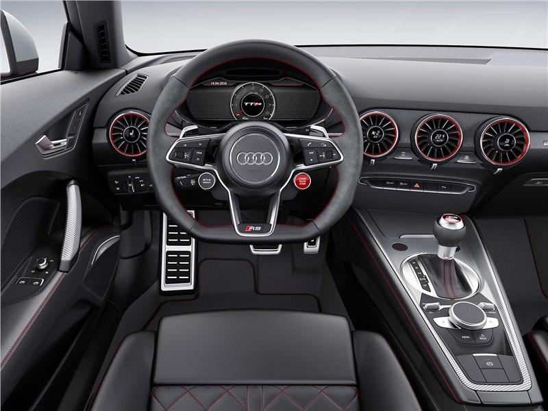 Audi TT RS Coupe 2017 салон