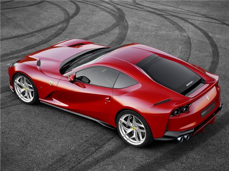 Ferrari 812 Superfast 2018 вид сверху