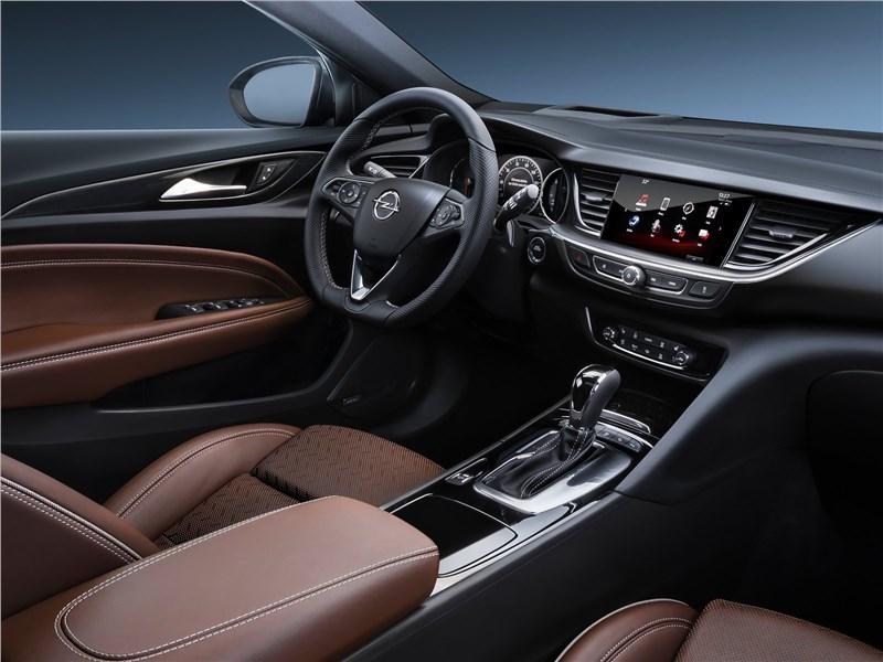 Opel Insignia Grand Sport 2017 салон