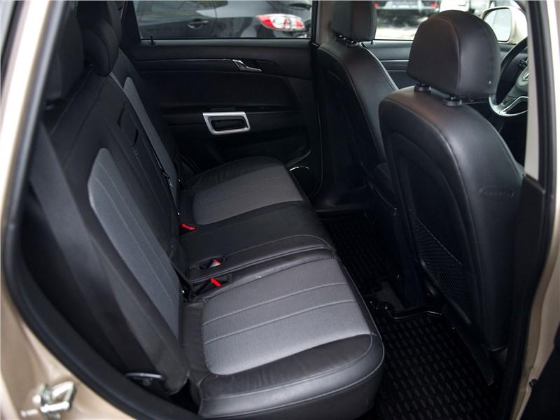 Opel Antara 2011 задний диван
