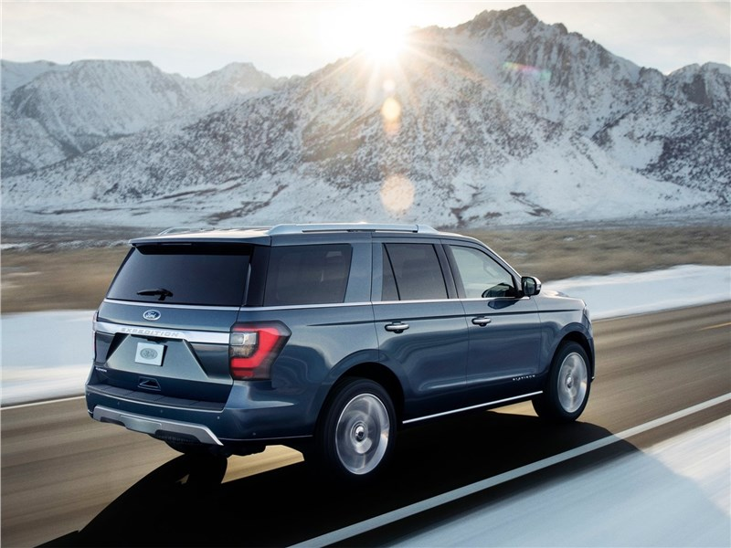 Ford Expedition 2018 вид сзади