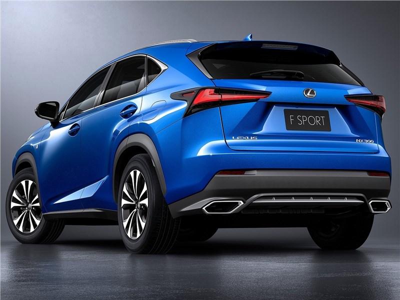 Lexus NX 2018 вид сзади