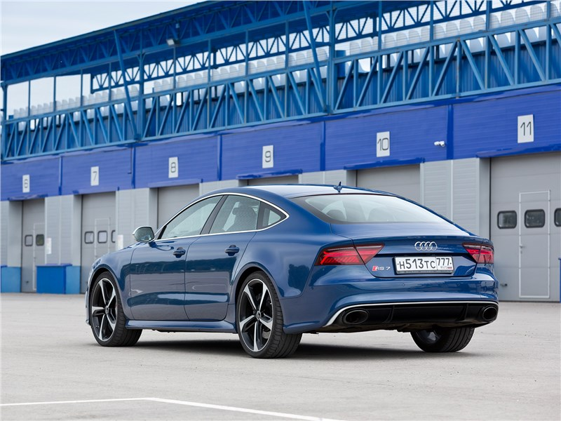 Audi RS 7 Sportback performance 2016 вид сзади