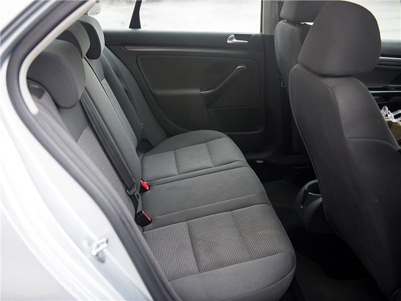 Volkswagen Jetta 2008 задний диван