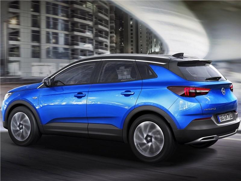 Opel Grandland X 2018 вид сбоку