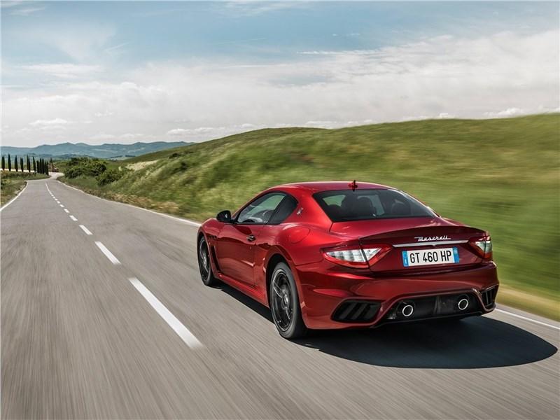 Maserati GranTurismo 2018 вид сзади