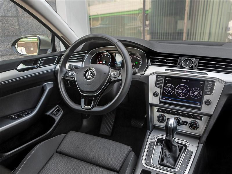 Volkswagen Passat Variant 2015 салон