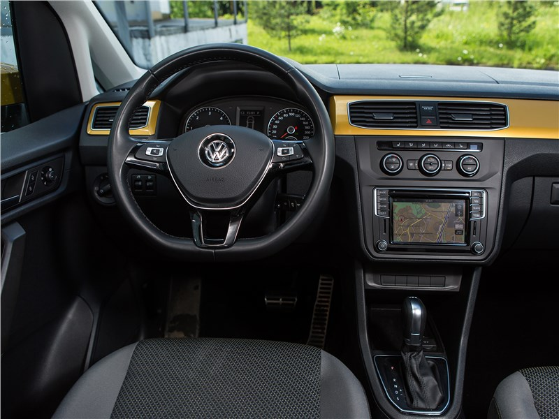 Volkswagen Caddy Family Maxi 2016 салон